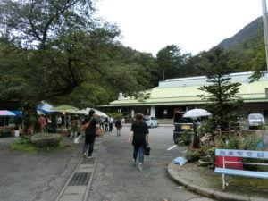 水沢観音の駐車場